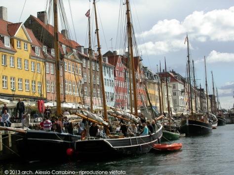Nyhavn vista dal battello turistico