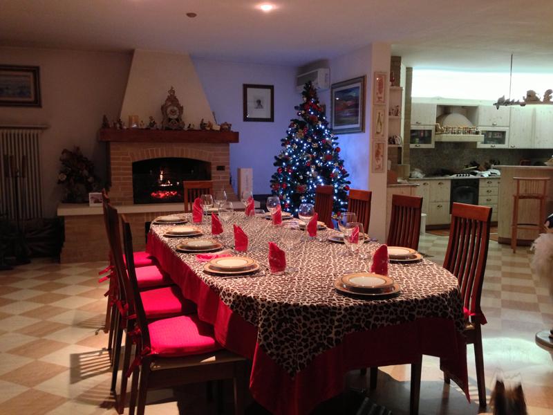Decorazioni natalizie nel soggiorno architetto consiglia for Decorazioni per pareti soggiorno