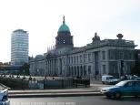 L'edificio in stile neoclassico attualmente ospita il Ministero irlandese per l'Ambiente, il Patrimonio ed il Governo Locale.