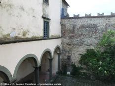 Castello di Fosdinovo - Cortile centrale
