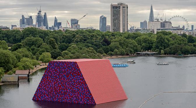 Londra ospita la nuova catalizzante opera di Christo