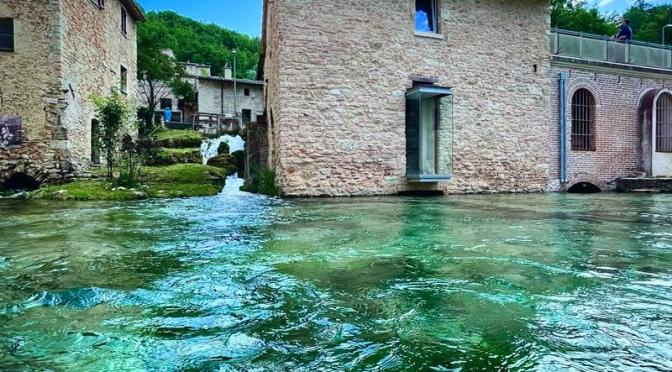 Alla scoperta di Rasiglia, la piccola venezia dell'Umbria